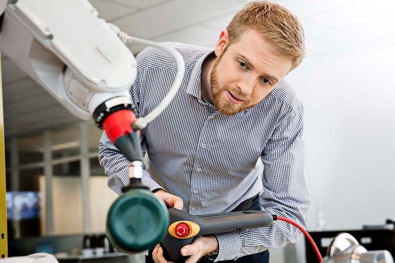 Engineer_w_robot